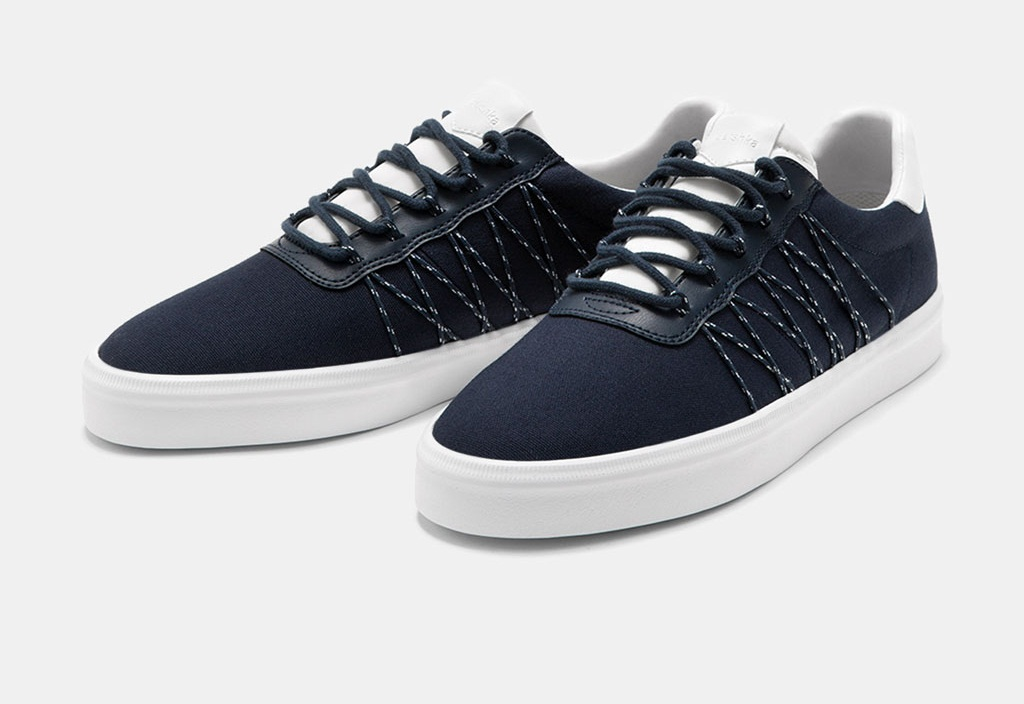 Men's fabric sneakers with zig-zag lace detail