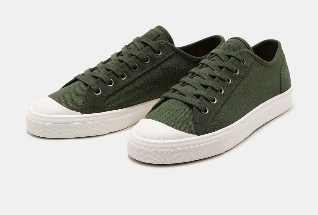 Men's fabric sneakers with rubber toe cap